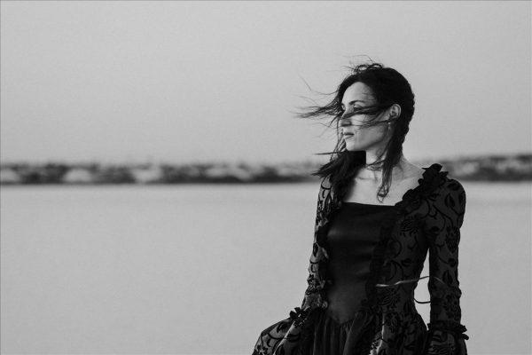 Alicia Smith en Salinas Alicante - By Roberlou-15 copy (1280x768)